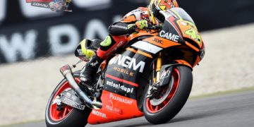 """Aleix Espargaro - 1st / 1'38.789 - """"I'm really happy. It's so far a perfect weekend: yesterday we set the record of the track, today the pole position and tomorrow it will be a special feeling to take the start of my 150th GP from the first spot of the grid in front of Marc Marquez and Dani Pedrosa. We have been fast in all the sessions and when it started to rain at the beginning of the Q2, I decided to wait just 30 seconds to avoid to be packed in the group. It was a risk but it paid and it was the right decision. I want to thank the whole team for the great work""""."""