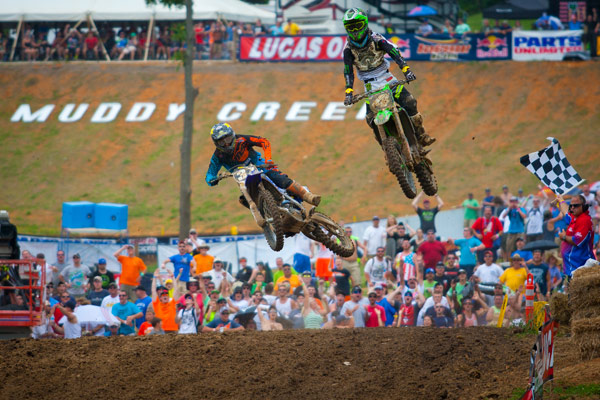 It nearly came down to a photo finish in Moto 1. (Photo: Matt Rice)