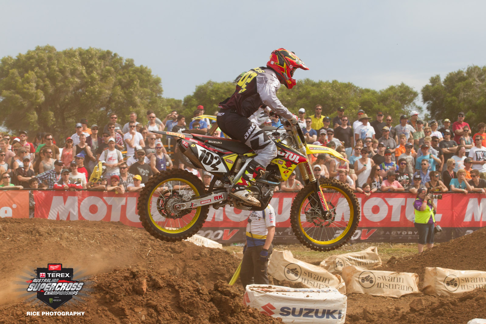 Oct-Nov; Bathurst Oct' 10-11, MotoGP P.I. Oct' 17-19, Brisbane Nov' 8-9