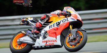 A 1'20.937 effort from Marquez gave him pole by just under 0.3s from Repsol Honda Team colleague Pedrosa who went down at turn 1 with three minutes remaining. The rapid lap time for Marquez broke Casey Stoner's six year old best pole lap record of 1'21.067 from 2008.