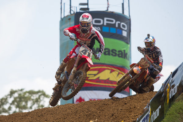 Canard (41) and Roczen (94) battled for the lead in the opening moto. (Photo: George Crosland)
