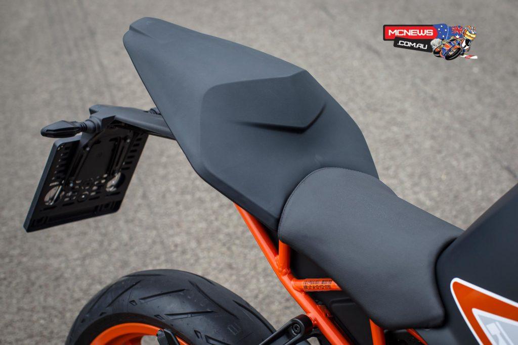 KTM RC390 sports an innovative seat unit