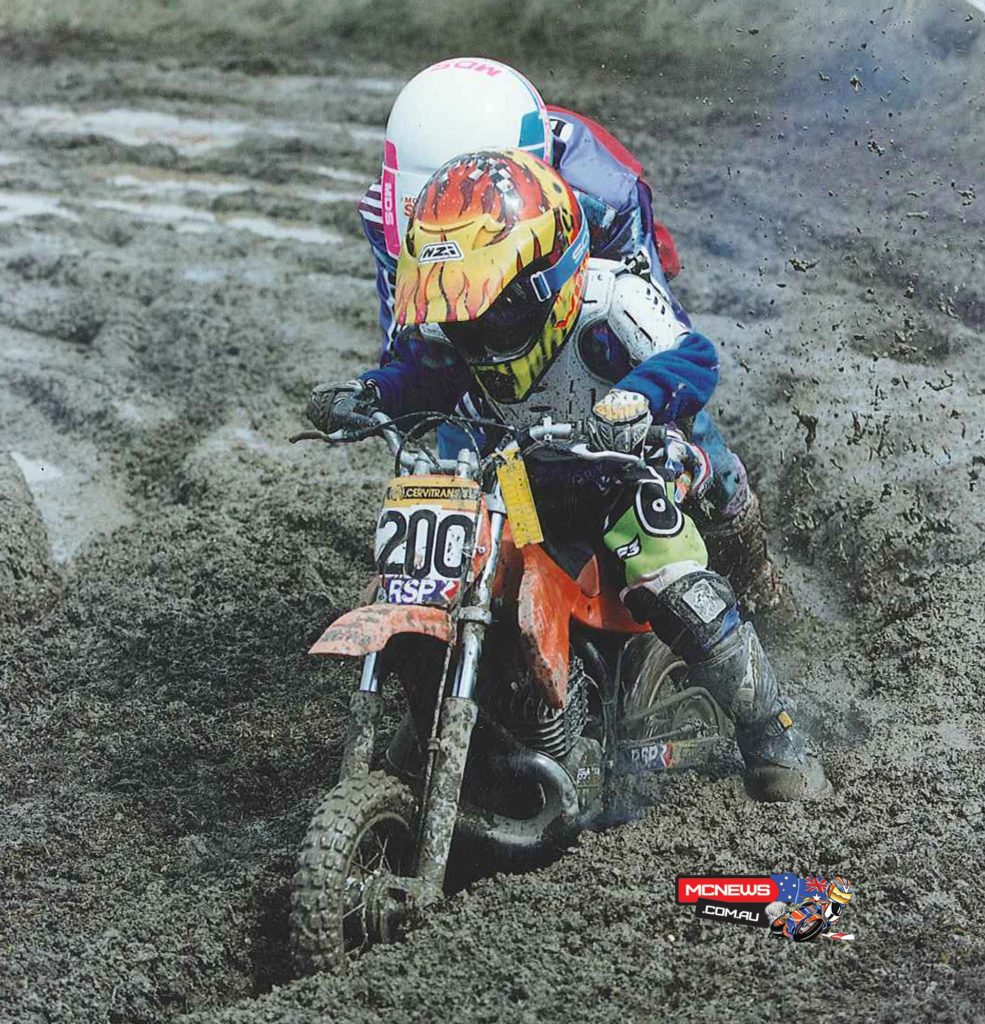 Marc Marquez - n 1999, his father bought him a second-hand 50cc off-road pocket bike, on which he continued to enjoy enduro and also to begin in motocross. In 2000, although he continued competing in enduro, he was also runner up in the Motocross Catalan Championship and, a year later, he took another step forward and won the Catalan Championship of the initiation category. He kept practising enduro, a discipline in which he finished fourth that year.