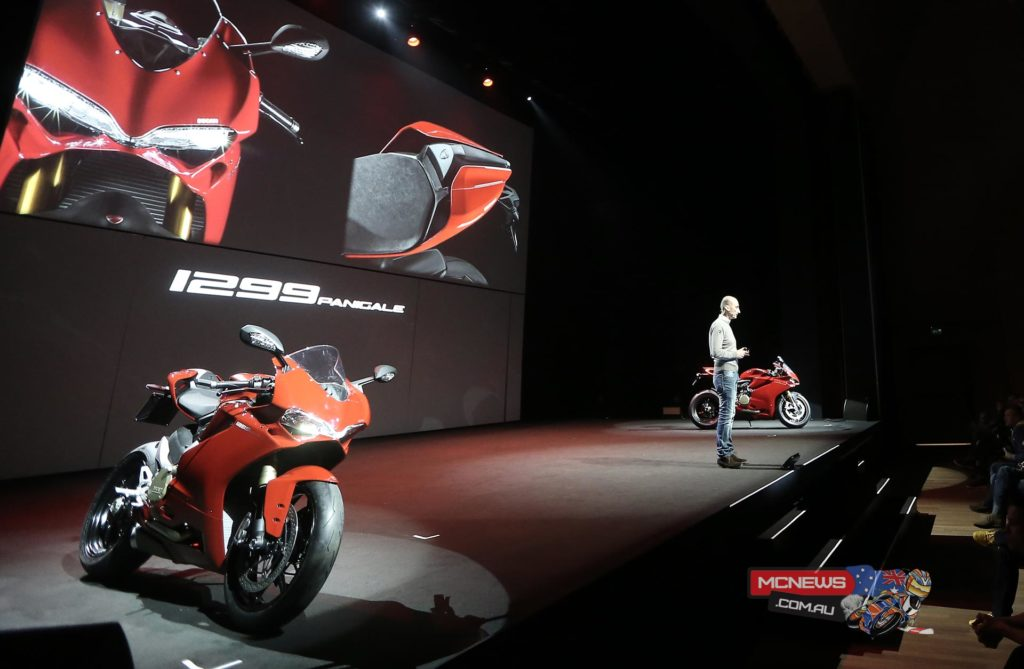 8-Ducati_2015_World_Premiere_Domenicali_16
