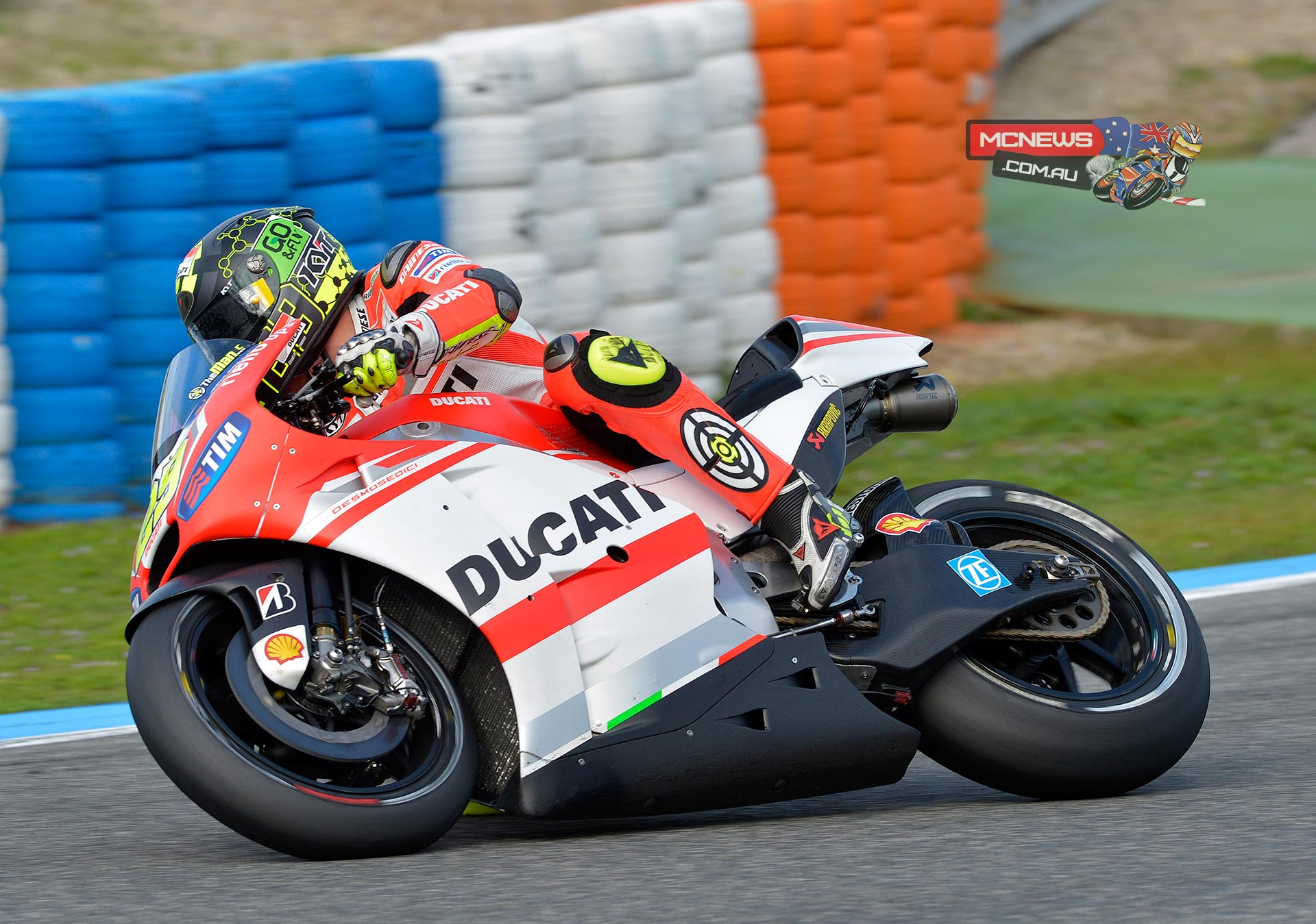 """Andrea Iannone (Ducati Team #29) – 1'39.0 """"Yesterday was quite a positive day because we were able to try out various set-ups for the bike, eliminate some doubts and confirm what we had already tested at Valencia. In the end I lapped quicker than what I did in the GP race. Even with the hard tyre I managed to do a good time and maintain a good pace, so I am quite happy about how this last test of the year went. We have accumulated a lot of good information for the new bike over the last two days. I'm also happy with the team, I like my new group of guys a lot and I'm pleased with the way we work in the box."""""""