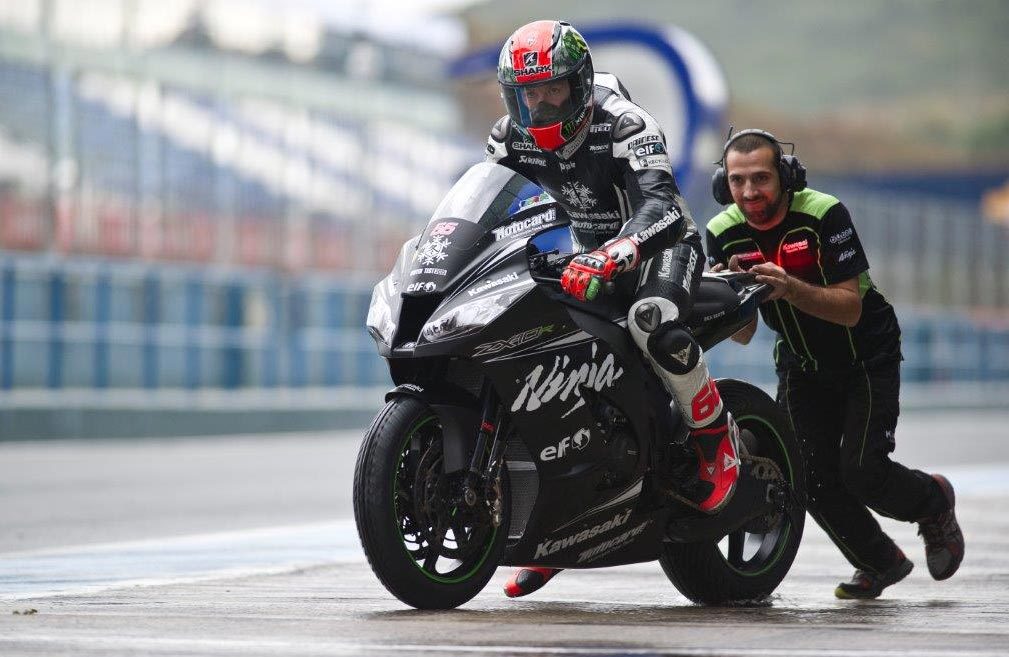 2013 World Superbike champion Tom Sykes was second quickest (Kawasaki Racing Team , 1:40.853)
