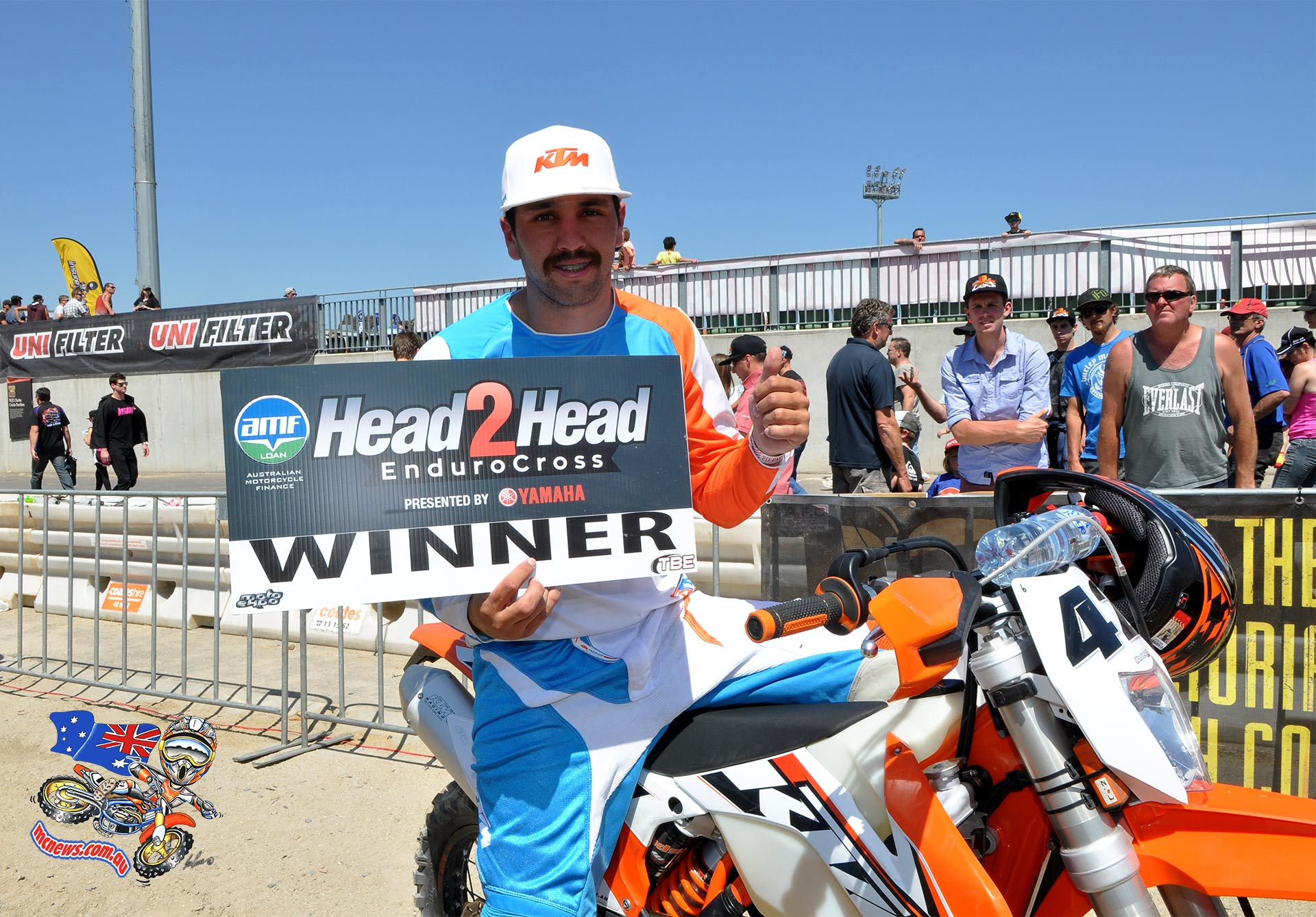 The very first Enduro Head 2 Head has been run and won at the Melbourne Moto Expo and to everyone's surprise former Pro motocrosser Tye Simmonds won Saturday's final