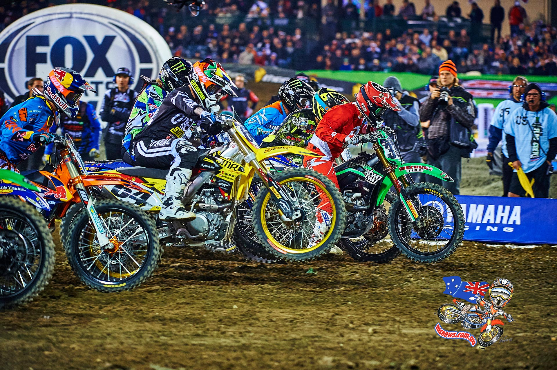 Riders punch off the line at Anaheim 1 2015