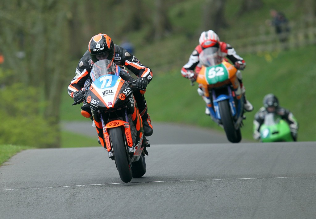 Ryan Farquhar (SGS/KMR Kawasaki) leads Jamie Cowton (Smith Kawasaki) over Jefferies Jumps in the 650cc race during the 2014 Scarborough Spring Cup. PICTURE BY STEPHEN DAVISON