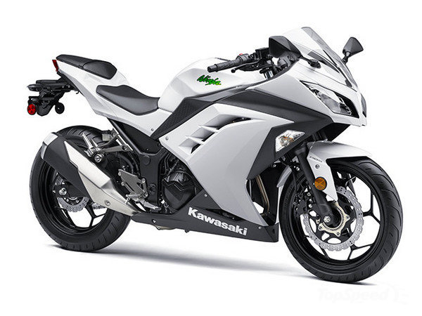 Kawsaki's Ninja 300 has been a massive seller for the brand. But it's had its issues. Recalled in 2013, the bike's programmed setting on the ECU (Electronic Control Unit) was incorrect, which caused some bikes to unexpectedly stall. Now, we are talking a major LAMS winner here, suggesting a less experienced rider is likely to be aboard. You get it. Learner, unexpected stall in traffic. Again, not good.