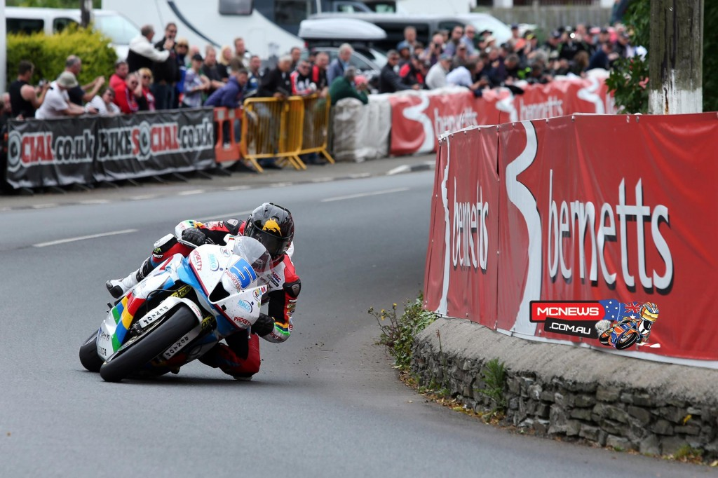 Bruce Anstey will ride a Valvoline Racing by Padgetts Honda