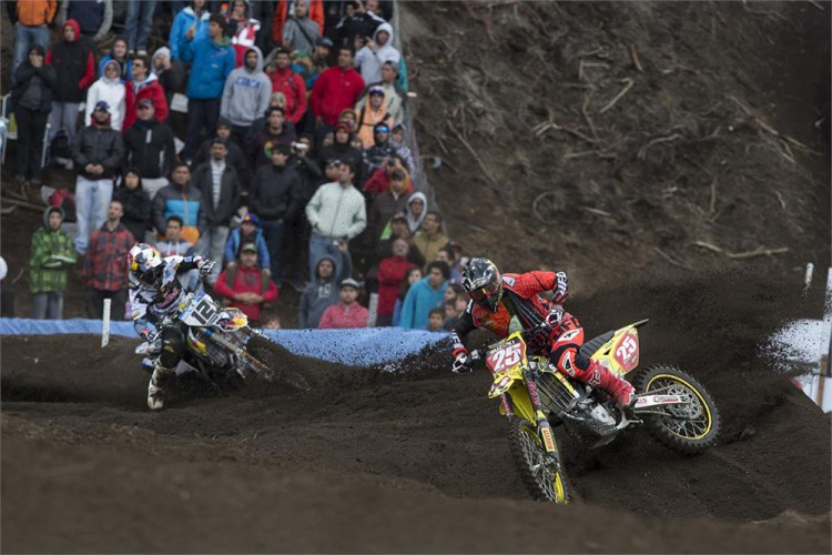 Clement Desalle continues to lead the MXGP series