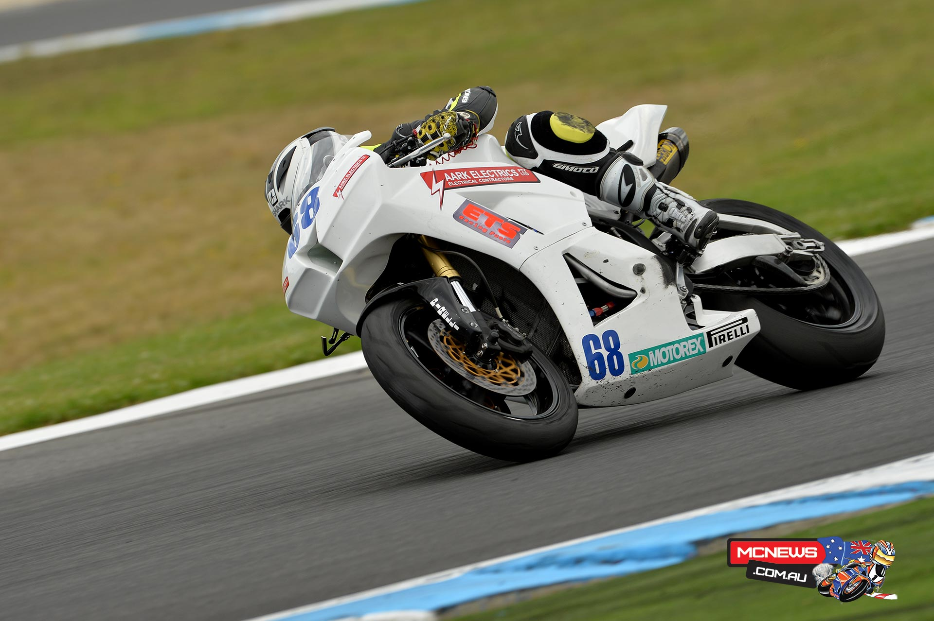 Glenn Scott on the AARK Honda CBR600RR World Supersport machine