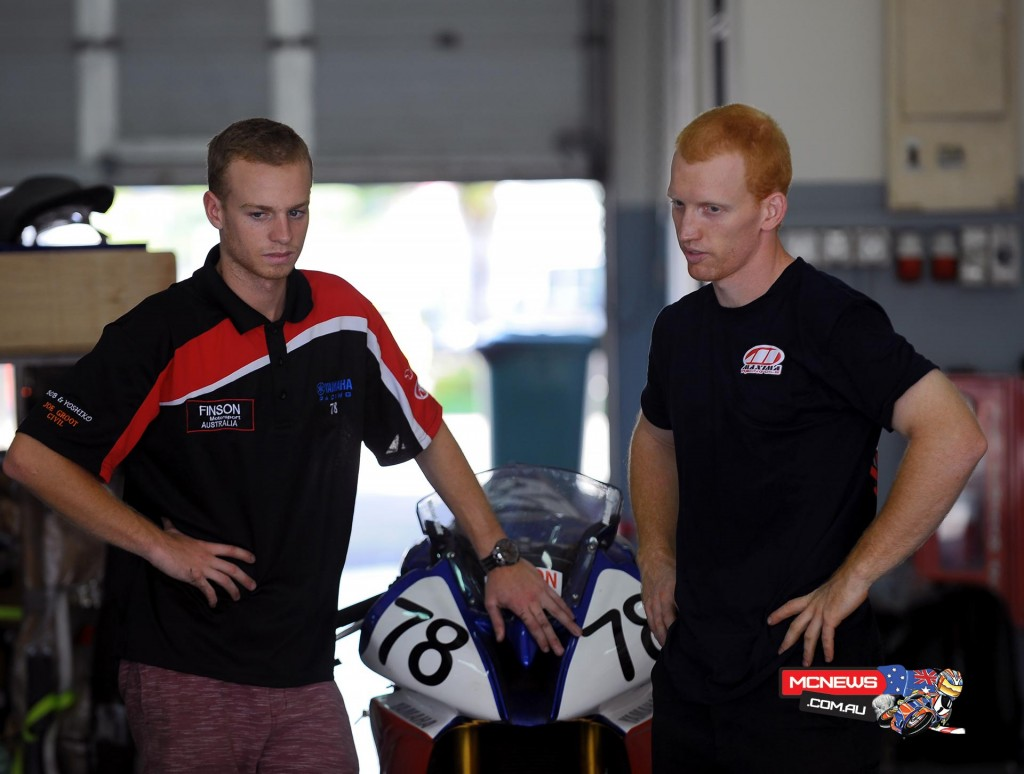 Aaron Morris and Michael Blair in the pits at the Sepang Asia Road Racing Championship Test, April 2015