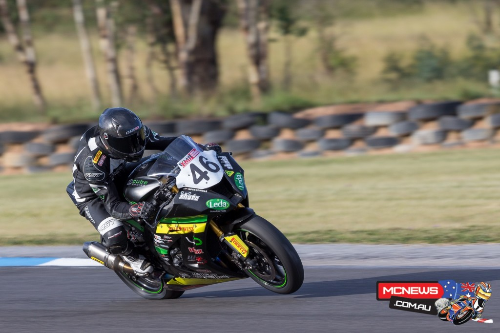 Mike Jones in ASBK action today at Morgan Park - Image by Andrew Gosling