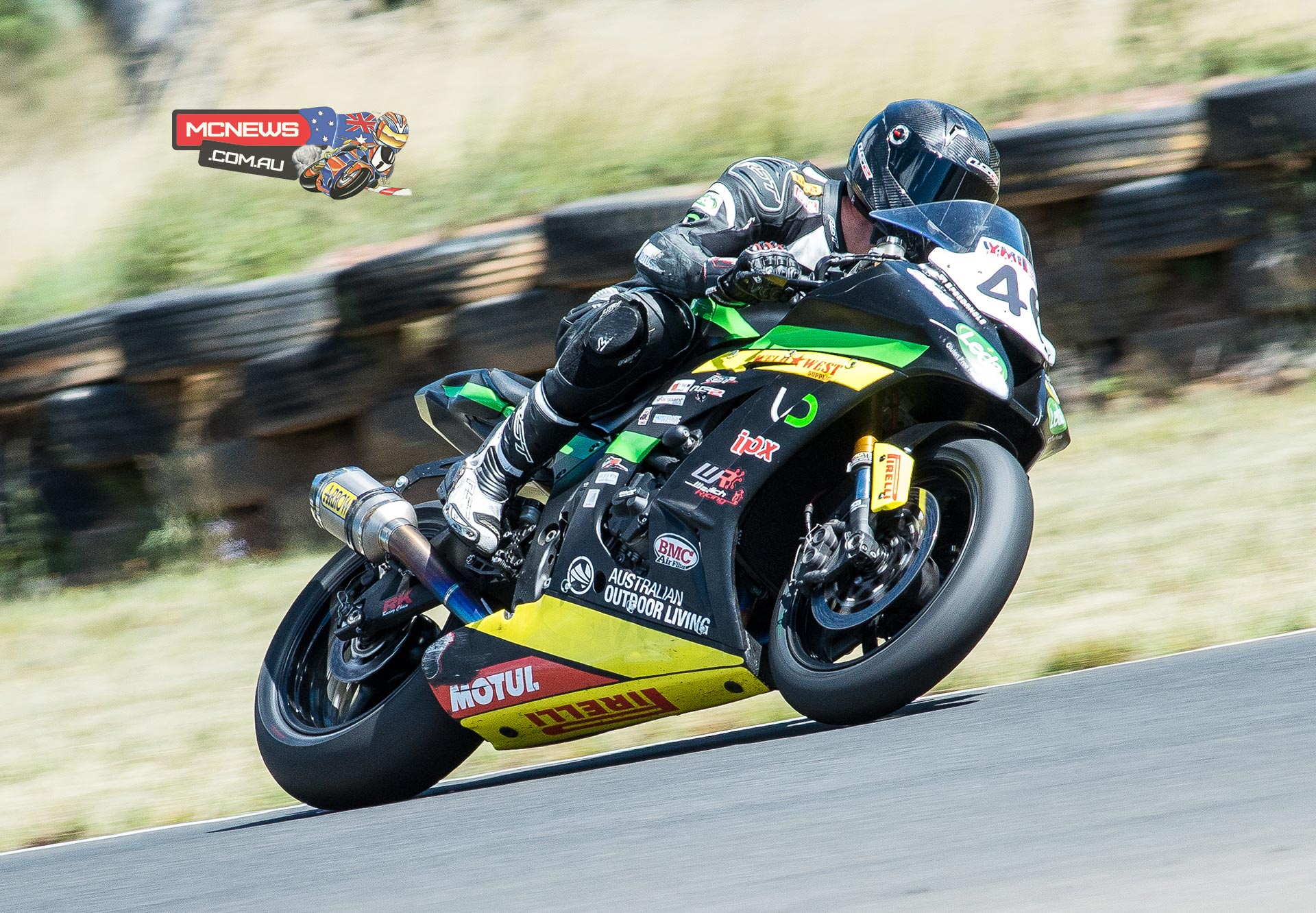 Mike Jones on the Cube Racing ZX-10R Kawasaki looks set to dominate ASBK 2015 Round Two Morgan Park