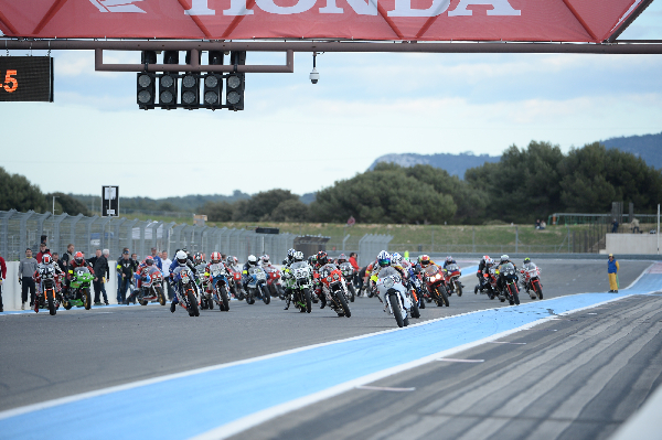 The spectacular start of the European Endurance Vintage race