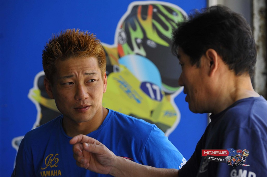 Makoto Inagaki with his engineer in the pits
