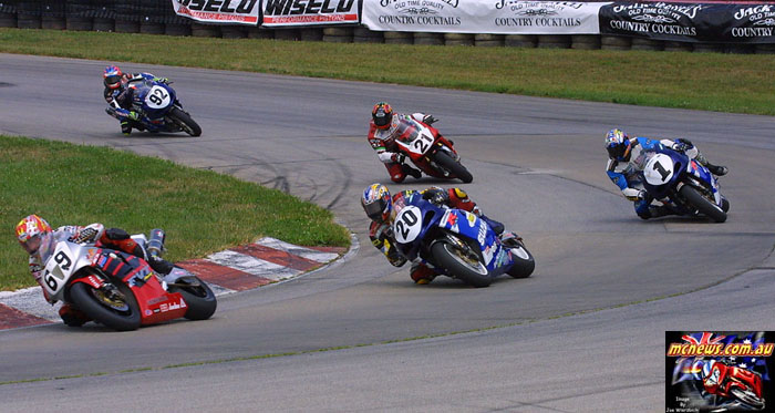 Nicky Hayden leads Aaron Yates and Mat Mladin in Ohio, 2002