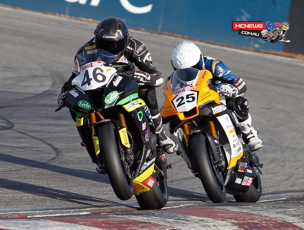 ASBK 2015 - Round Three - Australian Superbike Race Two - Wanneroo Raceway - Mike Jones leads Daniel Falzon