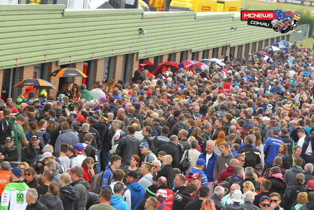 A good crowd for Snetterton BSB 2015