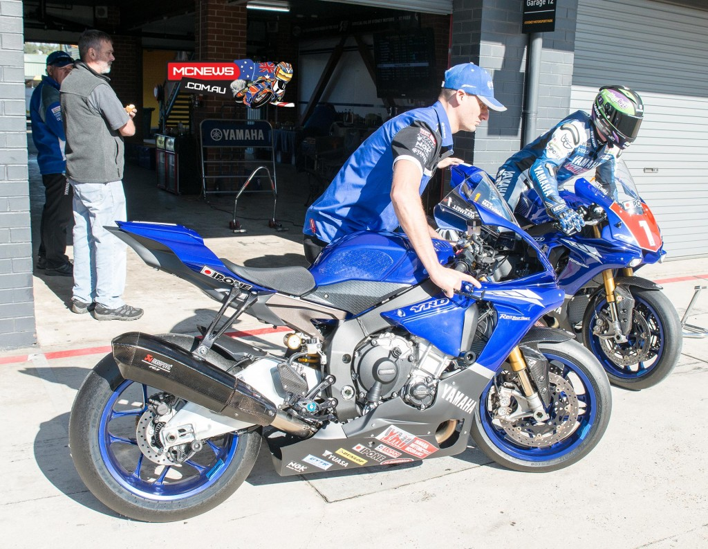 Wayne Maxwell swaps bikes during FP2 at Sydney Motorsports Park this morning as he tests gas cartridge fork internals on the YZF-R1M for the first time.Wayne Maxwell swaps bikes during FP2 at Sydney Motorsports Park this morning as he tests gas cartridge fork internals on the YZF-R1M for the first time.