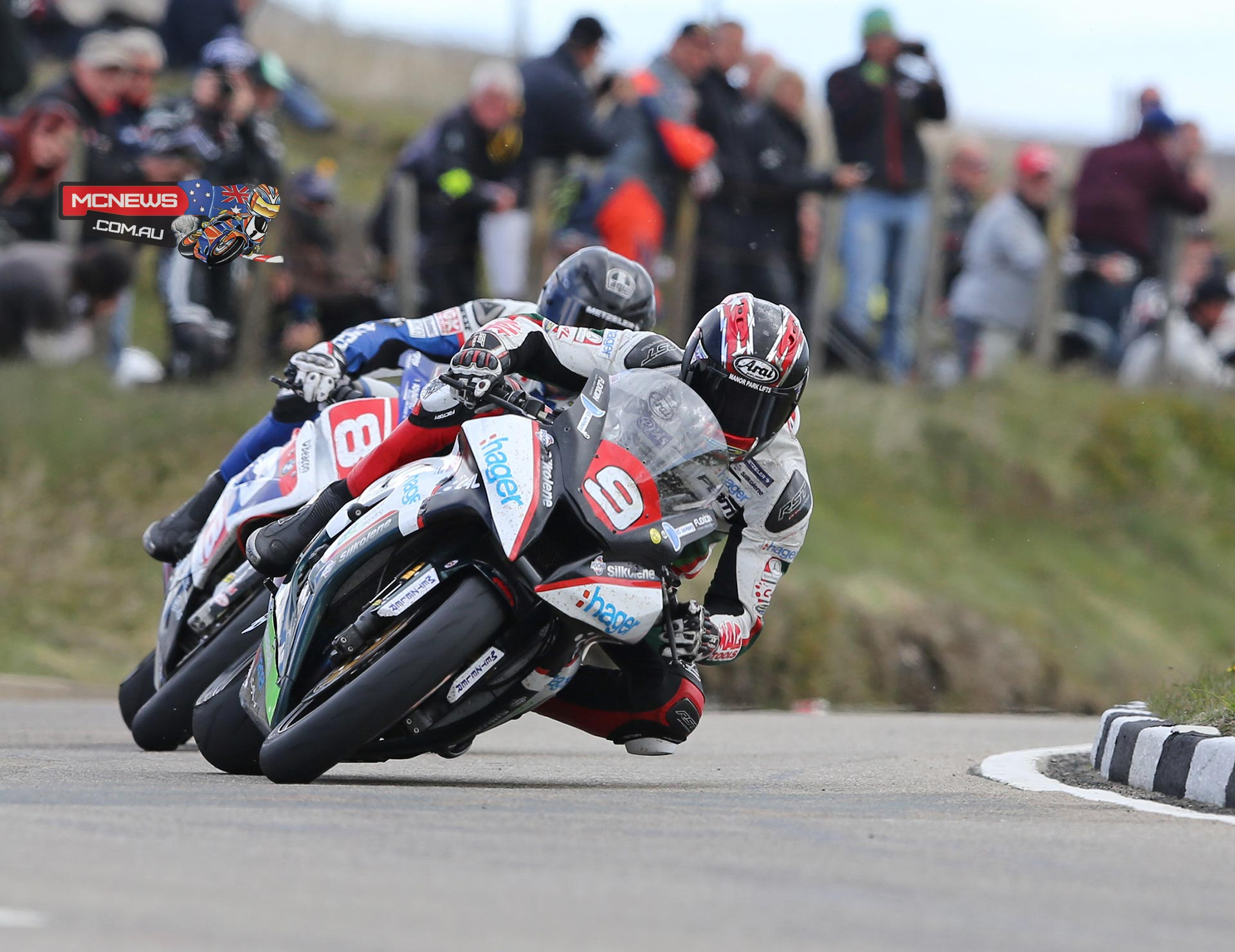 Isle of Man TT 2015 - RL360 Superstock TT - Ian Hutchinson and Guy Martin