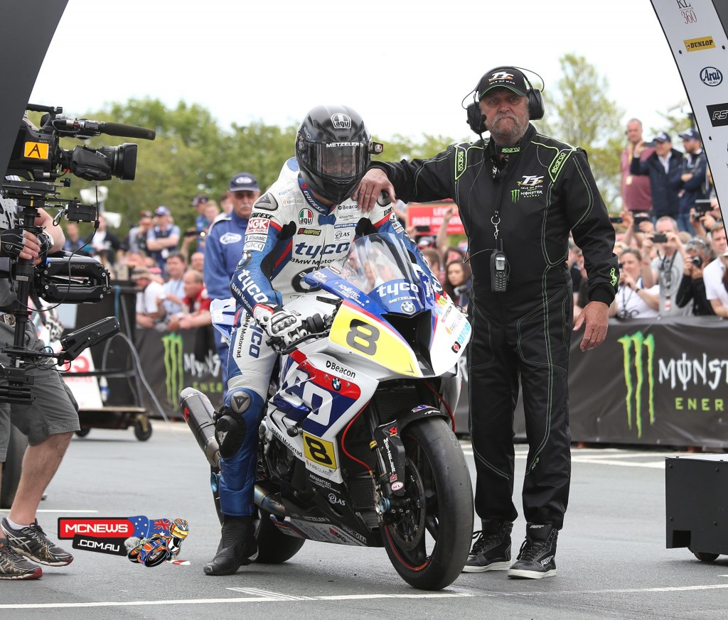 Guy Martin suffered from a poor start in the Senior TT before clawing his way up to fourth place, 8-seconds off the podium