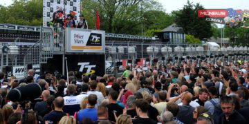 Huge crowds for the 2015 PokerStars Senior TT podium. Credit Simon Patterson/Pacemaker Press Intl.