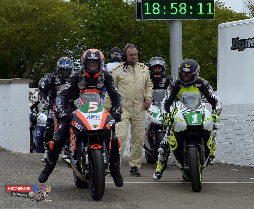 Ryan Farquhar continued to set the pace in the Lightweight class at 117.432 as he chases his fourth TT win
