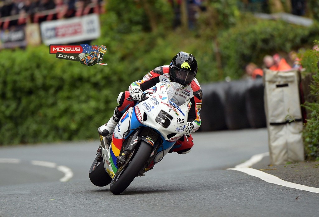 Isle of Man TT 2015 - Practice - Bruce Anstey- Honda Superbike