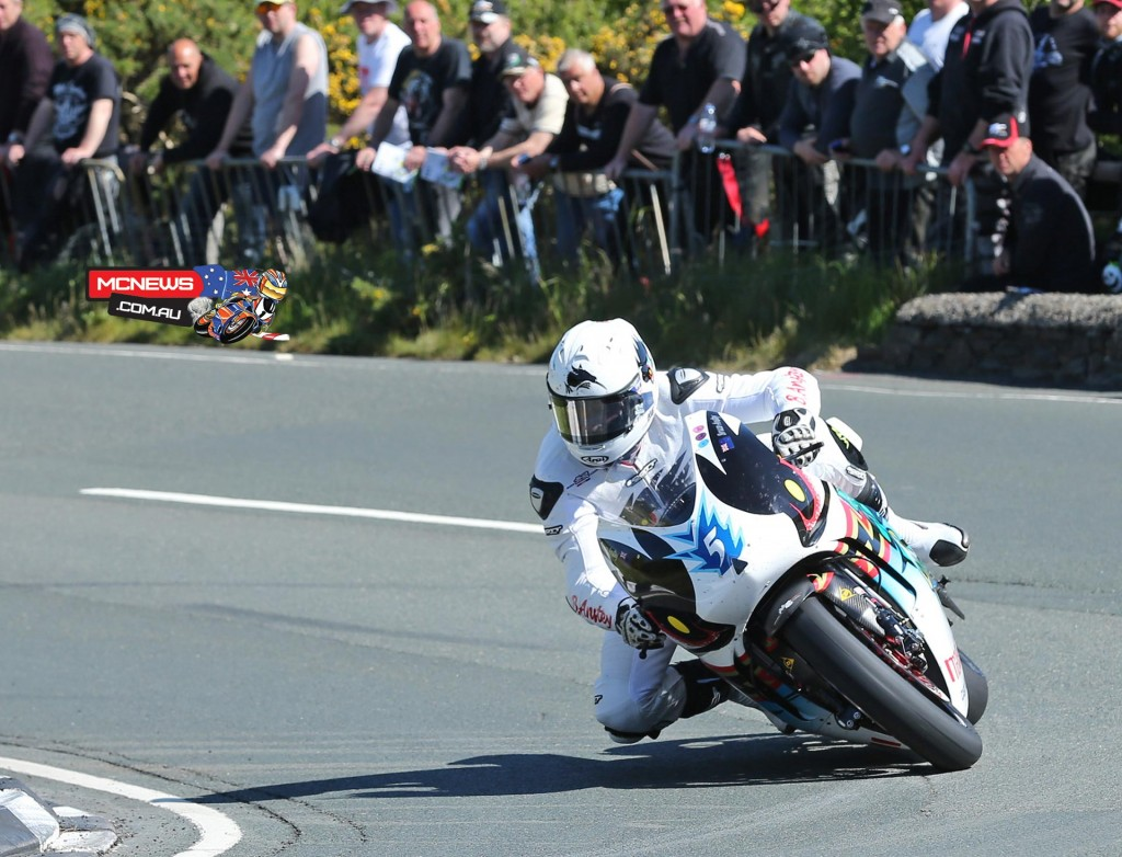 Bruce Anstey rounds the Gooseneck on his way to second in the SES TT Zero Challenge trophy. Credit Dave Kneen/Pacemaker Press Intl.