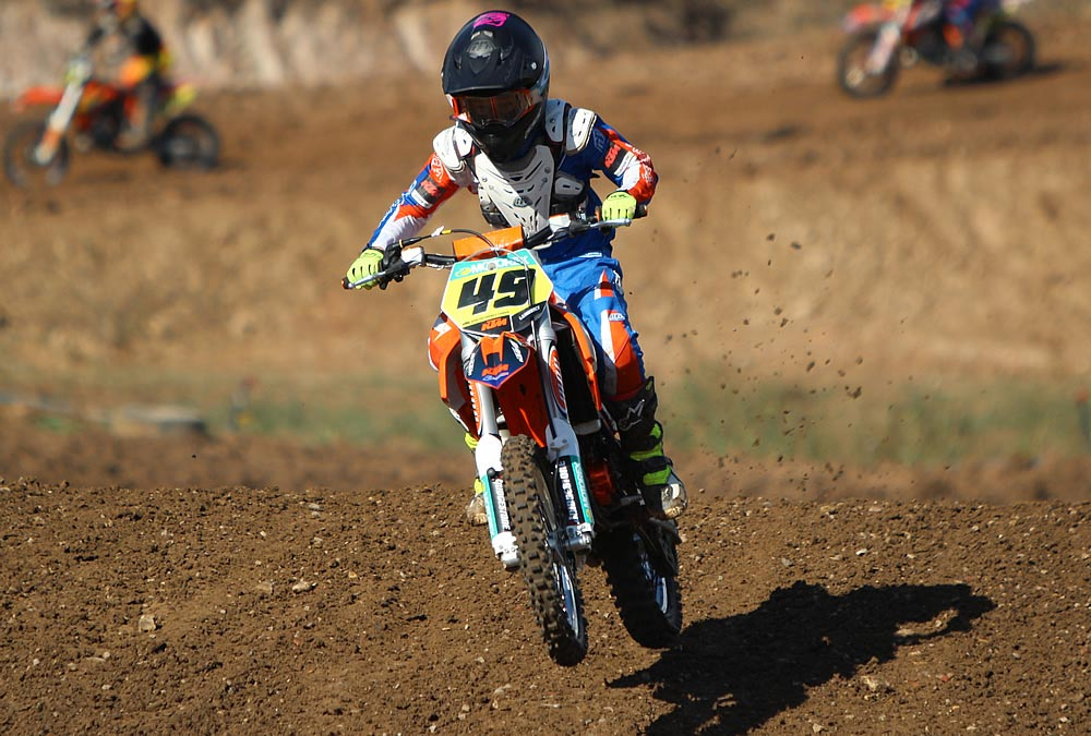 Jett Lawrence, who won the 65cc World Champion title at last year's junior world motocross championships at Lierneux in Belgium, was again victorious on a KTM 65 SX, winning the 10-11 years category in spectacular fashion, with five victories from five races.