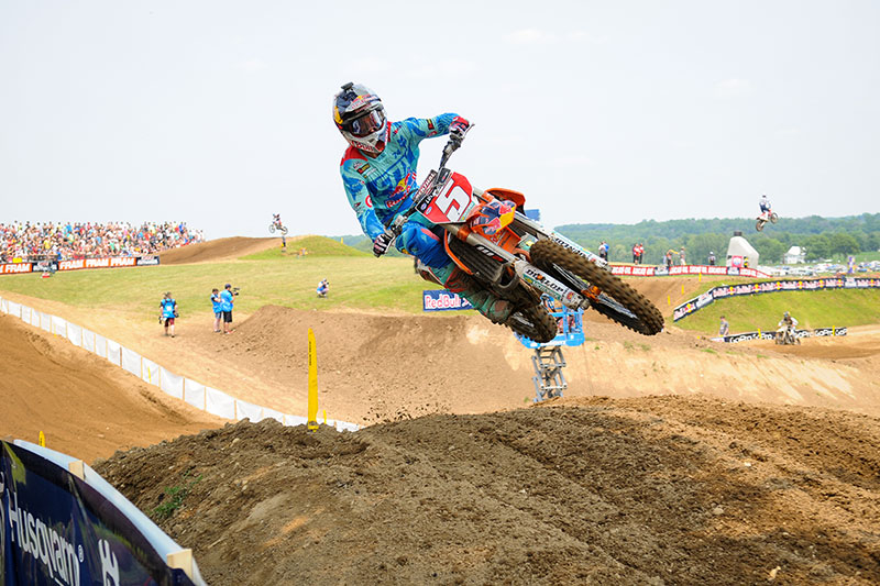 With a win in Moto 1, Dungey has won one moto at each of the last five rounds. (Photo: Amy Schaaf)