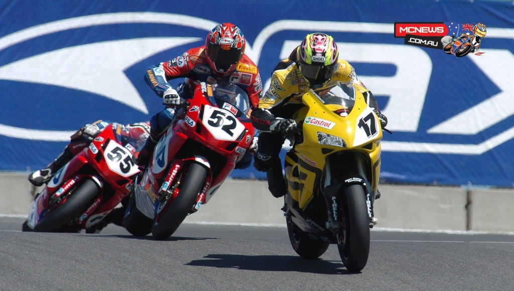 Chris Vermeulen (AUS) attacking the Corkscrew, followed by James Toseland (GBR) and Regis Laconi (FRA) - Laguna Seca 2004