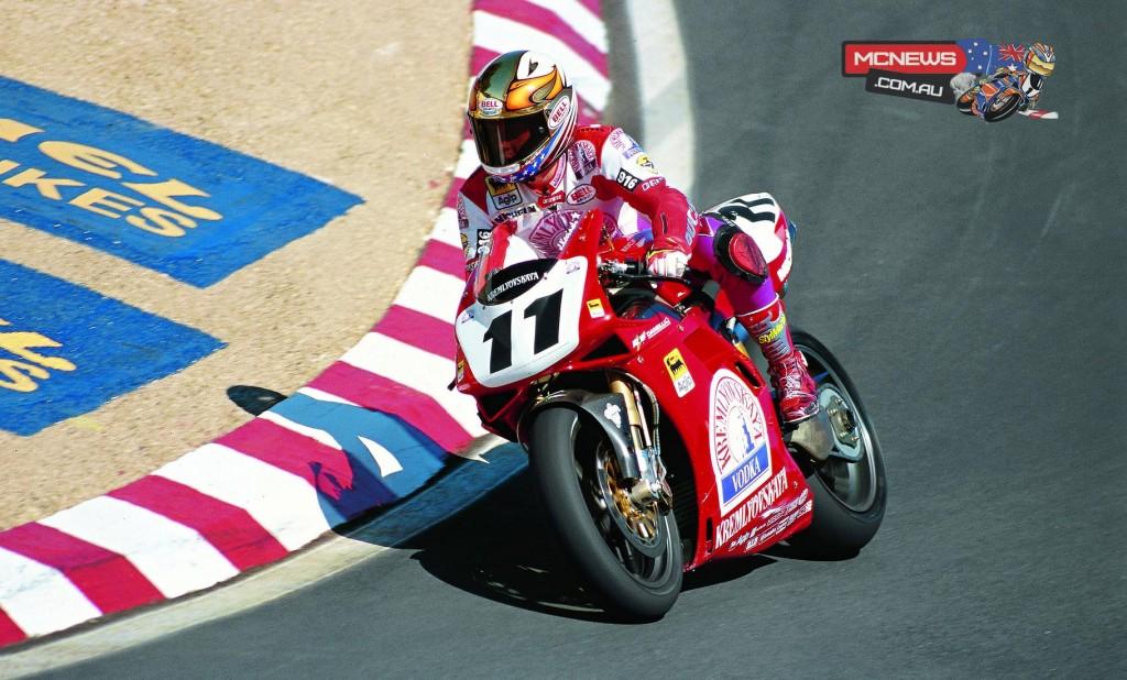 John Kocinski (USA) on his way to the double in 1996 at Laguna Seca