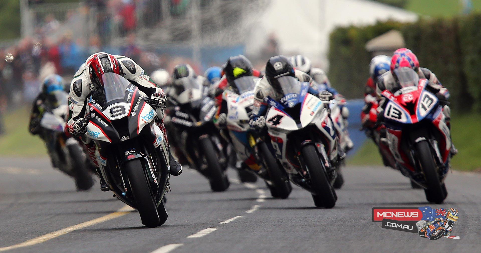 Dundrod 150 Superbike race 2015