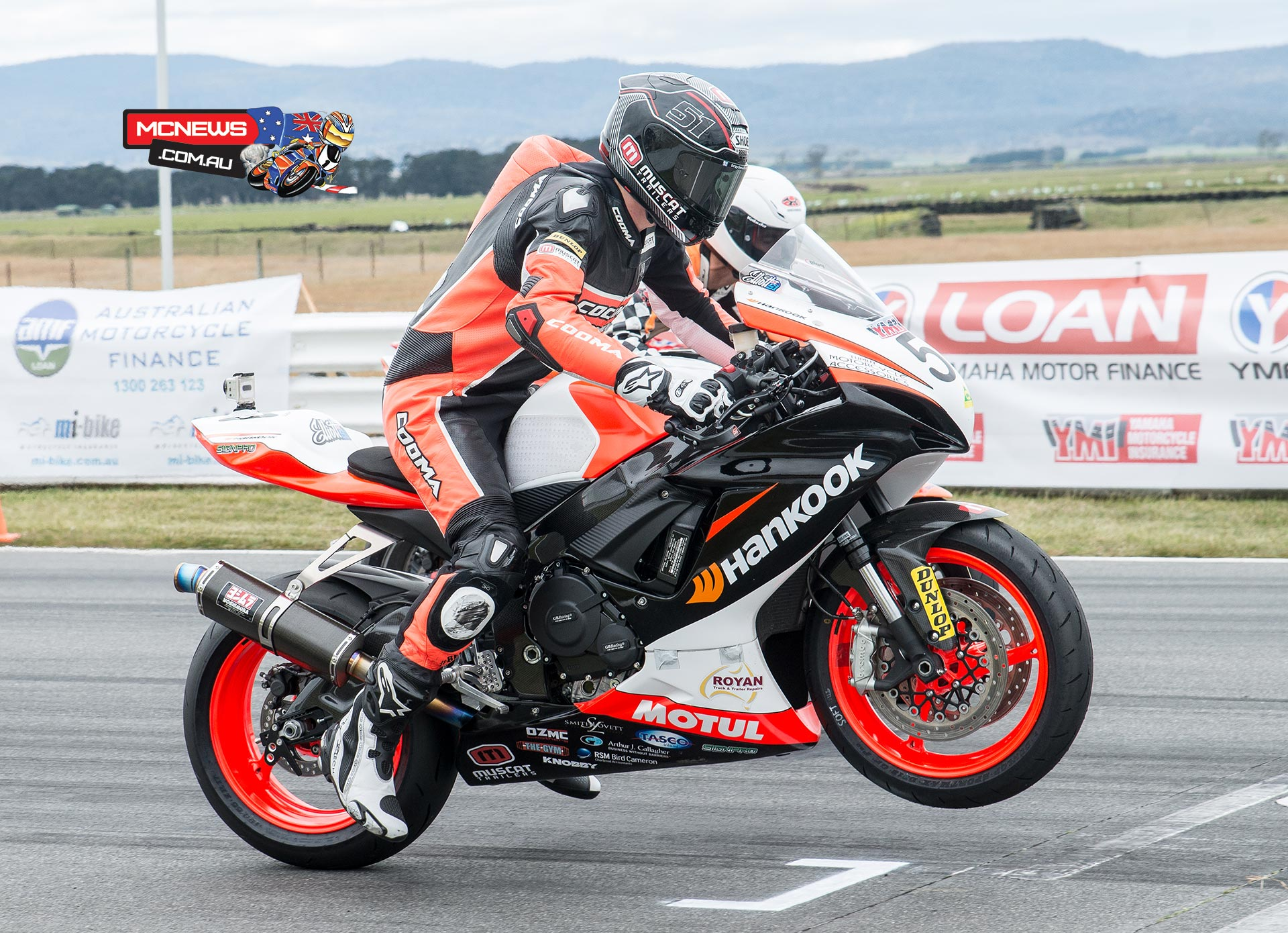 ASBK 2015 - Round Four - Symmons Plains - Supersport Race One - Start