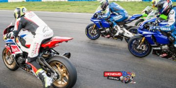 Ipone Superbike Race Three - Start attempt #1 - Wakefield Park - 2015 Swann Australasian FX Superbike Championship - Round Five
