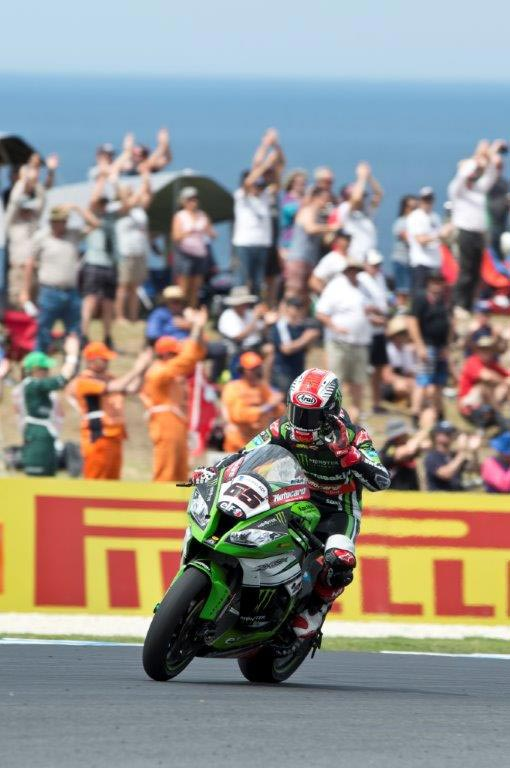 Jonathan Rea won race one at Phillip Island in 2015