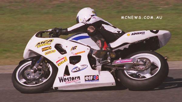 Josh Brookes took the Australian Supersport Championship on a SUuzki GSX-R600 in 2001