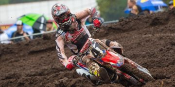 Canard managed to win the MX1 overall in Japan
