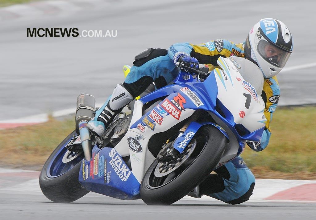 Troy Herfoss won the 2010 Australian Supersport Championship on a Suzuki GSX-R600