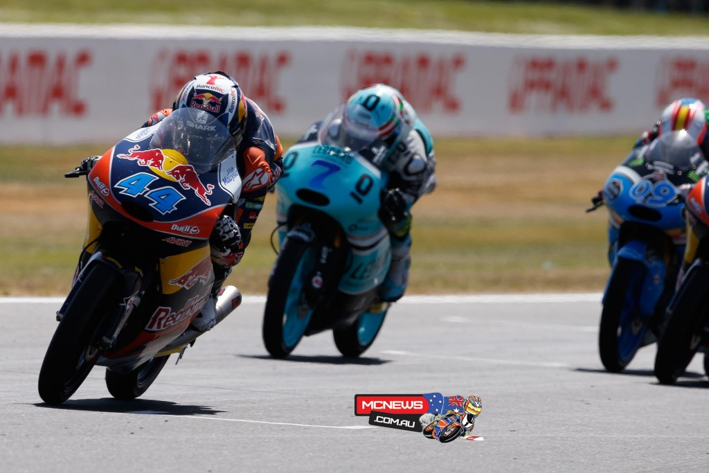 Miguel Oliveira's fourth win of the season means the Moto3 title fight continues to Sepang as Kent and Bastianini crash out.