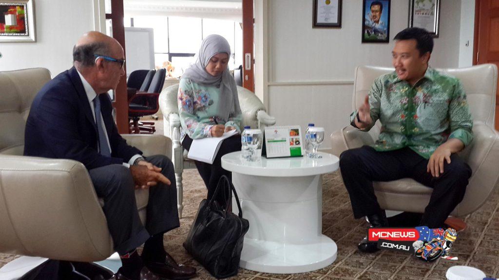 Carmelo Ezpeleta meets with Indonesian Minister Imam Nahrawi