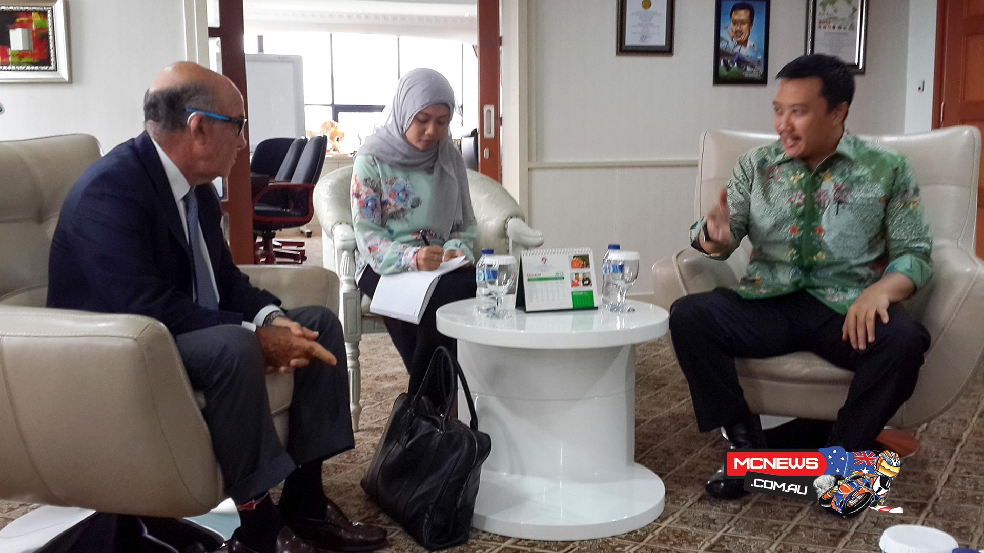 Carmelo Ezpeleta meets with Indonesian Minister Imam Nahrawi