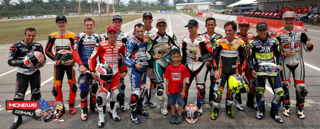 Shell Malaysia Motorcycle Grand Prix on Thursday 20 riders took to the Sepang International Go Kart Circuit for the annual Mini Bikes race - Representing MotoGP were Pol Espargaro, Yonny Hernandez, Jack Miller, Mike de Meglio, Hector Barbera and Toni Elias. From the world of Moto2 there was Sam Lowes, Jonas Folger, Luis Salom, Hafizh Syahrin and Ricky Cardus. Finally lining up from Moto3 were Danny Kent, Enea Bastianini, Isaac Viñales, Francesco Bagnaia, Maria Herrera, Zulfahmi Khairuddin