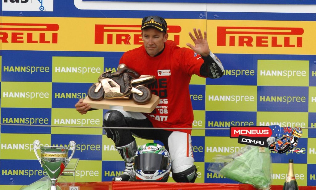 Troy Bayliss with his third World Superbike title - 2008 - Magny-Cours