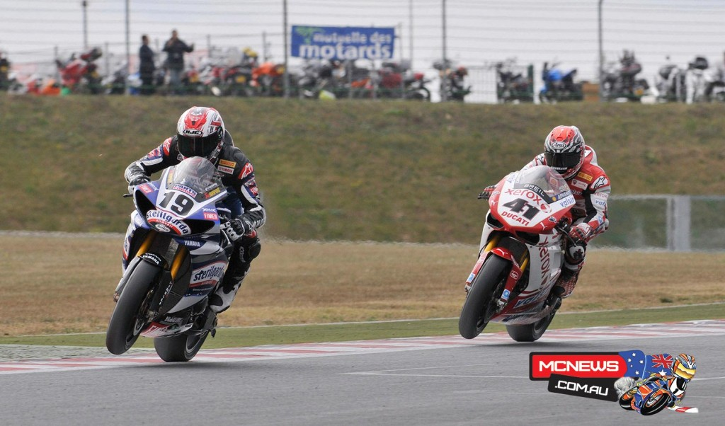 Ben Spies (USA) leading over Haga - 2009 - Magny-Cours