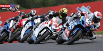 Sloan Frost leads a hungry Superbike pack at Hampton Downs 2014